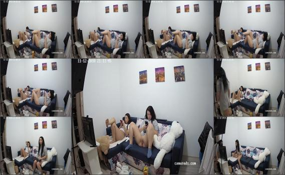Spy brunetka in home (7)