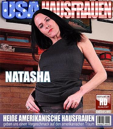 Mature - Natasha K. (41) - Amerikanisch Hausfrau strippt und fühlt sich frech