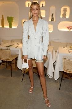 """Frida Aasen  & Elsa Hosk  - Opening of  """"Oursin """" Restaurant Paris  24.09.19"""