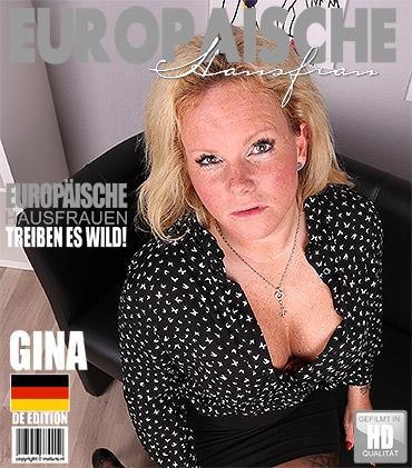 Mature - Gina O. (EU) (35) - Deutsche Hausfrau spielt mit sich selbst