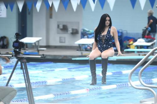 Ariel Winter ass Swimsuit Photoshoot