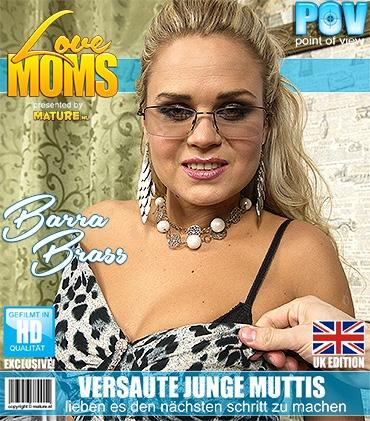 Mature - Barra Brass (31) - Geile mama fickt in POV Style