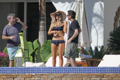 Kate Beckinsale in blue Bikini
