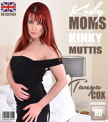 Mature - Tanya Cox (EU) (37) - Britische mama Tanya Cox spielt im Bett