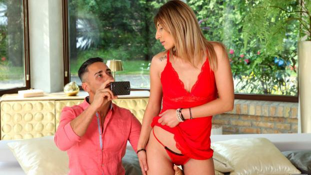 nubilefilms-19-10-12-viviana-love-to-tease.jpg