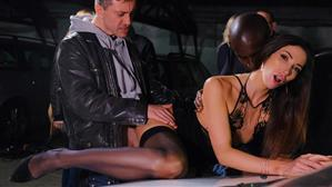 dorcelclub-19-10-11-clea-gaultier-gives-a-public-performance.jpg