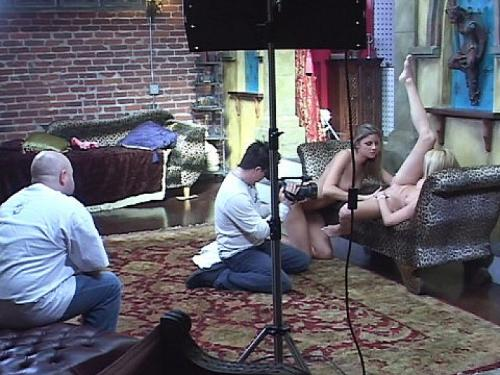 Bella and Other Lesbians Get Ready To Lick Twat Behind The Scenes