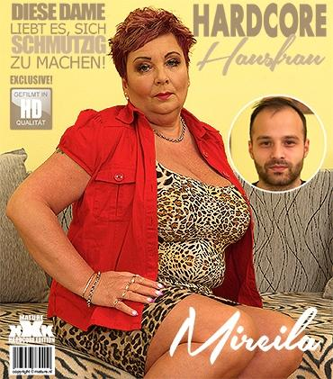 Mature - Mireila (55) - Vollbusige Hausfrau Mireila fickt und saugt.
