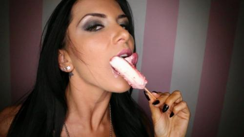 Romirain_Romi_Rain_Licks_Sucks_Amp_Eats_Ice_Cream