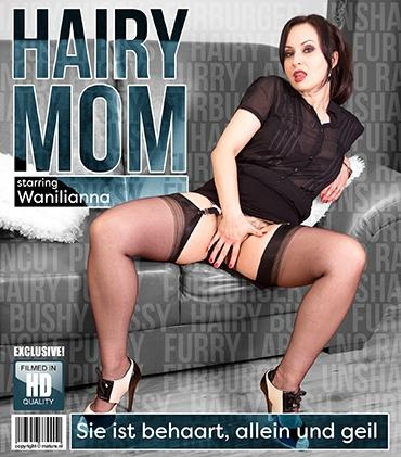 Mature - Wanilianna (43) - Naughty mom Wanilianna loves playing with her very hairy pussy