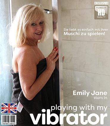 Mature - Emily Jane (EU) (63) - Gracefull mature Emily Jane is lying in bed thinking of one thing... a thumping vibrator in her wet pussy!