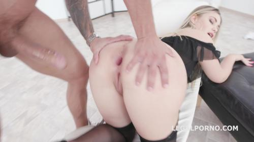 1on1 Wet, Drink and Gapes Selvaggia Balls deep Anal, Gapes, Pee drink & Swallow GIO1182 [HD 720P]