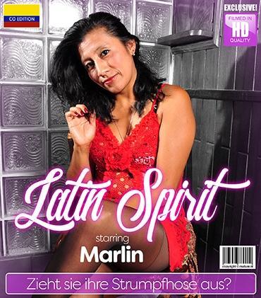 Mature - Marlin (34) - Lateinamerikanische Hausfrau spielt mit sich selbst