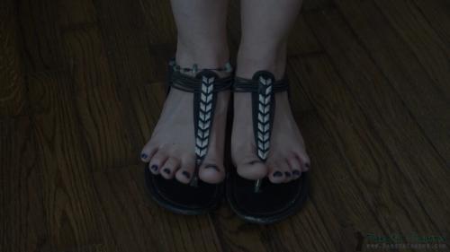 Dakotacharmsxxx_Magic_Happy_Feet