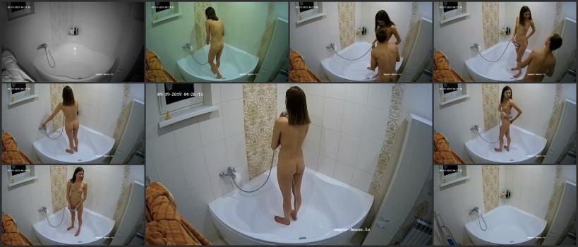 Voyeur_house_tv_09-19_124656