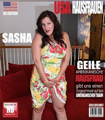 Mature - Sasha B. (44) - Schöne reife Dame zeigt sich