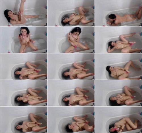 Lara Loxley - Bath Time Fun With Vibrator [SD 480P]